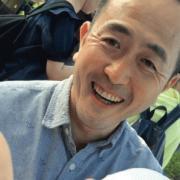 尾崎友直 『魚釣りとキャッチボールに行こう』収録曲「レインコーツ」のMVが公開されました!